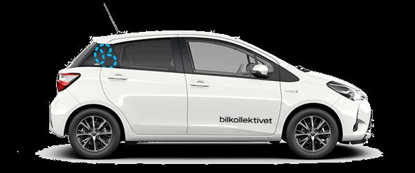 En liten hvit bil, Toyota Yaris med logoen til bilkollektivet på